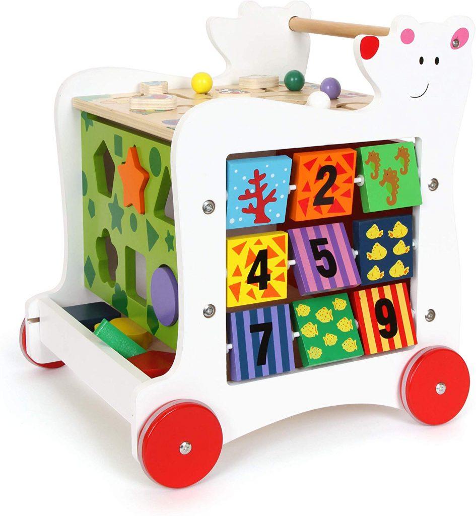 Ce pousse pousse bébé en bois a 5 faces avec des jeux d'éveil différents.
