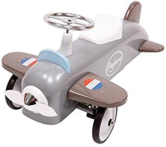 Le porteur avion de la marque Baghera va donner envie à votre enfant de le piloter sans plus tarder !