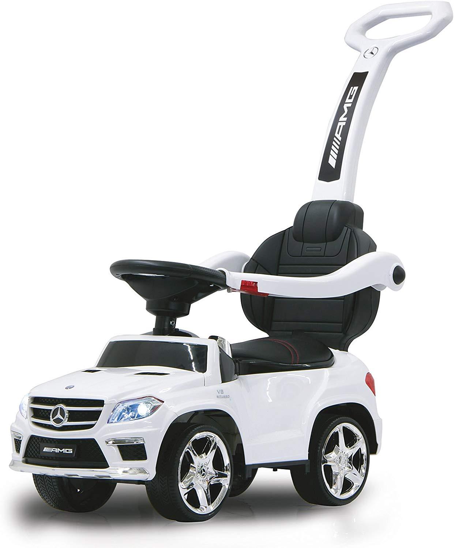 Ce porteur voiture à l'apparence d'une Mercedes.