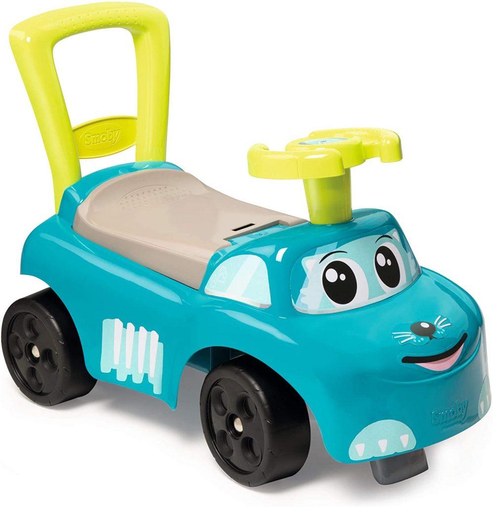 Ce porteur voiture Smoby est de couleur bleue.